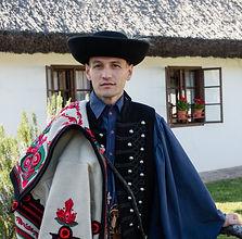 Izsák_Zoltán_Sotiris,_Pontozo.jpg