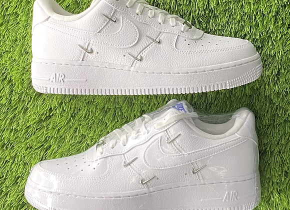WMNS Nike Air Force 1 Low LX