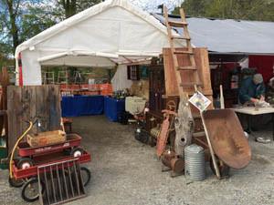 Apex Peaktique Antique & Collectibles festival