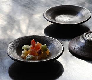 鉄彩小皿 A1305/W 11.2/D 11.2 /H 2.5㎝  ¥3,000(税別)