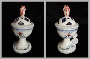 Pietro Librici, Small Lamp - Na luci nicaredda, Overglaze ceramic, h=15,5 cm Ø=7,5 cm.