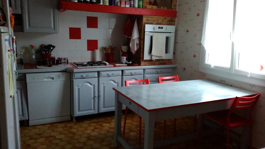 cuisine peinte rouge gris,blanc_
