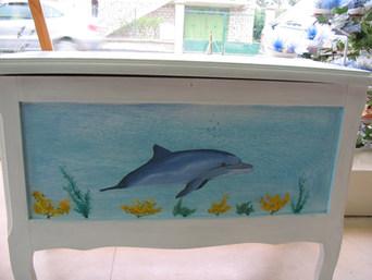 coffre décor dauphin