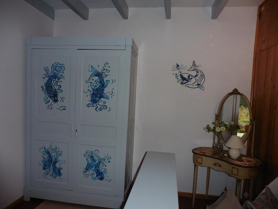 ancien meuble peint décor pêche