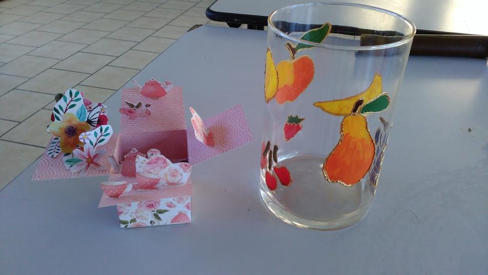 vase fruits et boites anniversaire