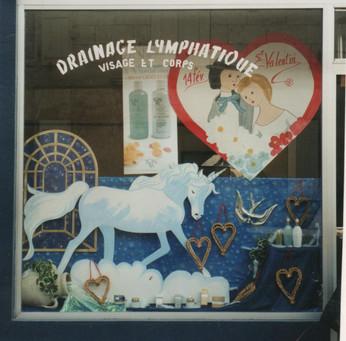création d'un décor de vitrine st-valentin