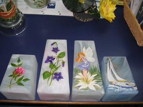 vases albatre décorés
