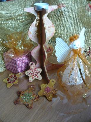 bougeoir et petit décor de Noël