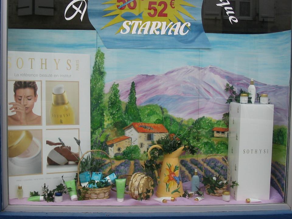 création d'un décor de vitrine provence