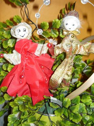joyeux personnages pour plante