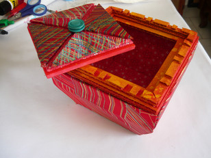boite rouge cartonnage