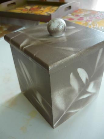boite peinte