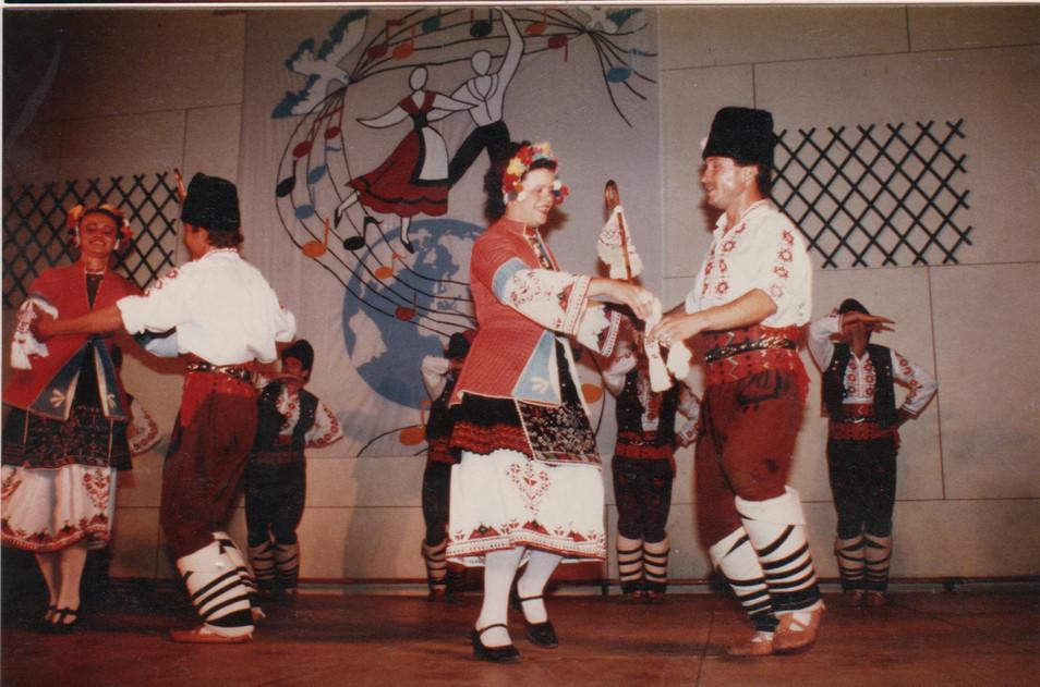 folklore linars.2.JPG