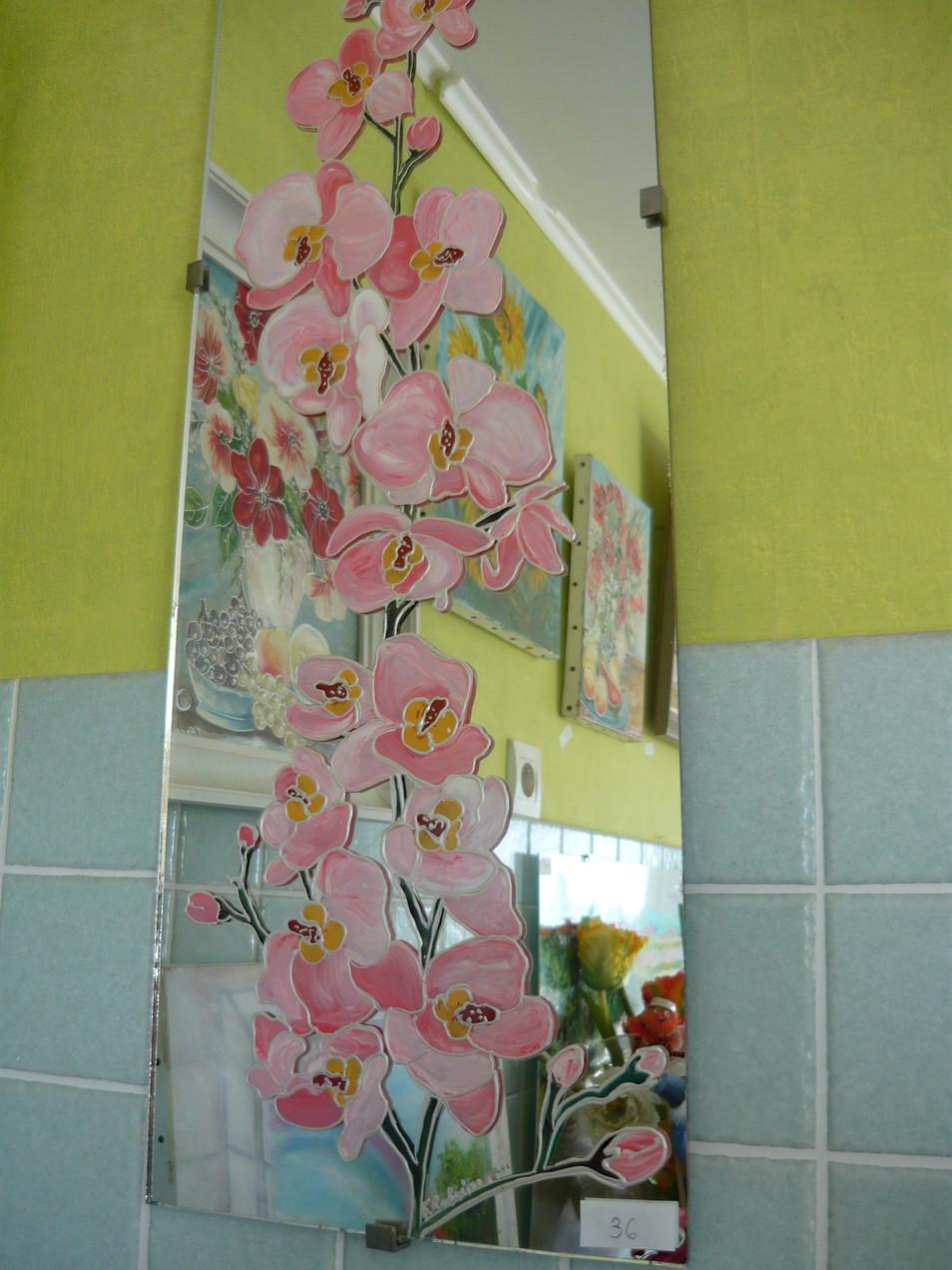 orchidée sur miroir