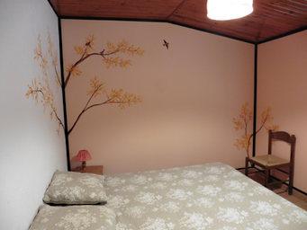 peinture murale chambre côté bois Ambernac