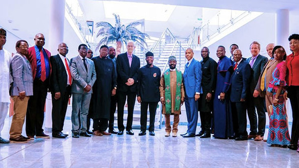 Vice-president Nigeria steunt vluchtelingenproject Jubilee Campaign