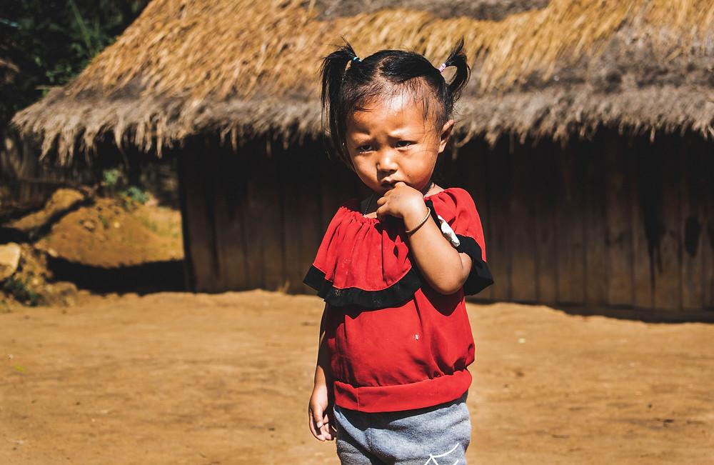Veel Hmong en Montagnards vluchten naar het buitenland, zoals Cambodja, Laos of Thailand. Dit Hmong-meisje woont nu in Laos.