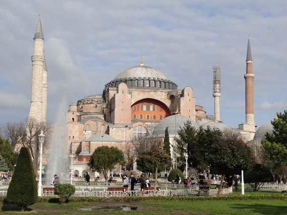 De islam domineert het dagelijks leven in Turkije.