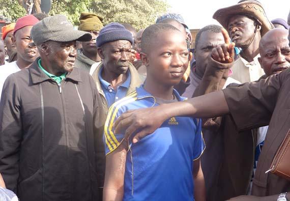 Deze jongen overleefde een aanval van Fulani-militanten, maar veel van zijn dorpsgenoten kwamen om.