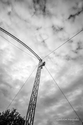 Mat chapiteau de cirque 200m2 75m2 chapiteau blanc et argent 15m rond 300 personnes