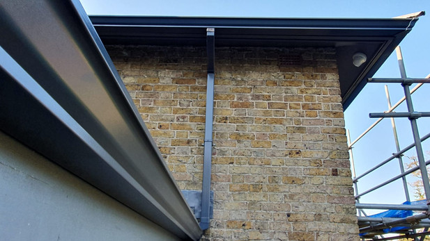 Anthracite Seamless Guttering