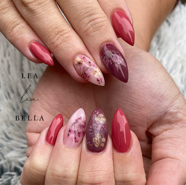 flower nails.png