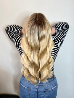 Long blonde balyage