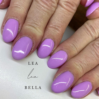 lilac nails .jpg