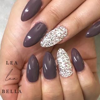 grey and silver nails .jpg