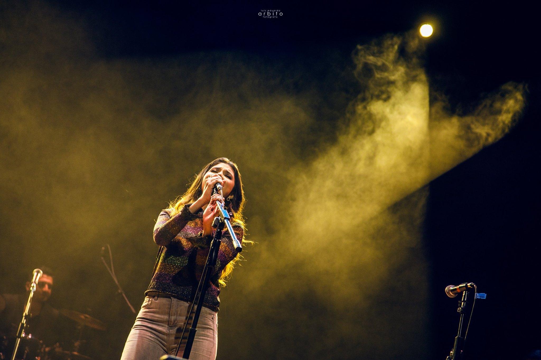 Nicole Rubira - live