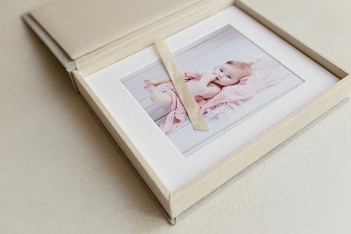 Session bébé avec un coffret 5 photos de 20*30cm imprimées, 5 photos en HR