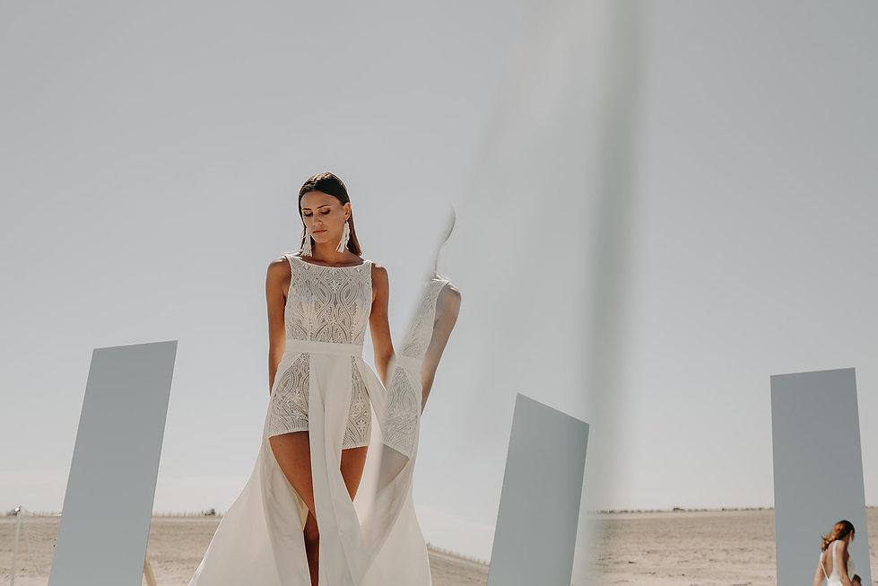 20H30 robe mariee short fente moderne dentelle createur marseille