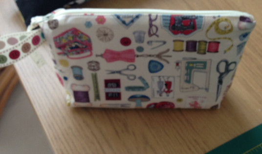 notions makeupbag1