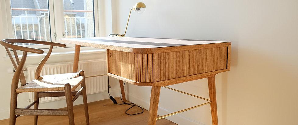 Skrivebord, skrivebord md jalousi, skrivebord md skuffe, skriveord i eg, snedker københavn
