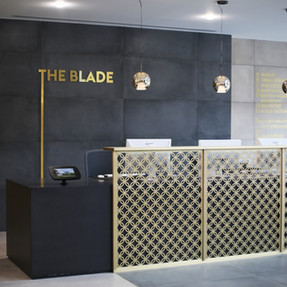 The Blade, Reading