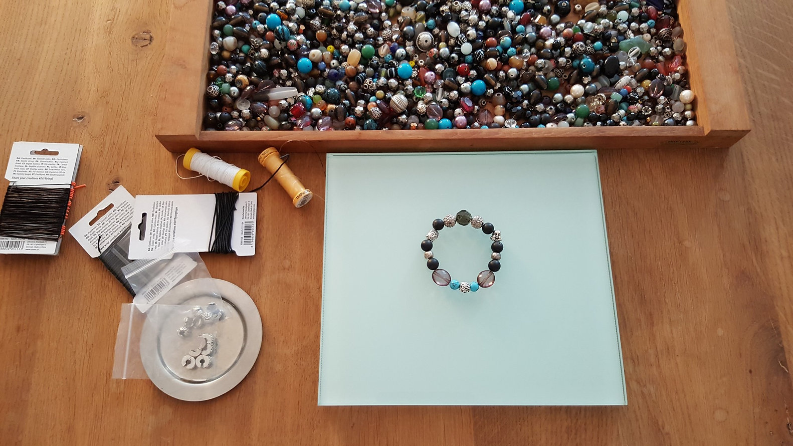 CPH'ATTITUDE Jewelry uses vintage beads in the sustainable production