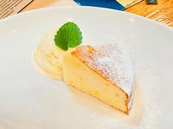 Lemon Cake w/Ice Cream