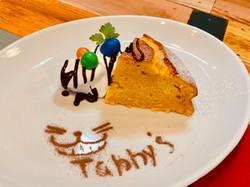 Punpkin & chocolate Cake w/Whip Cream