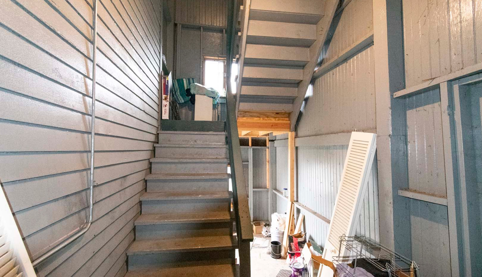 Enclosed Back Porch/Stairway