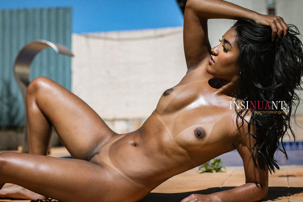 ensaios de mulheres sensuais - insinuant magazine