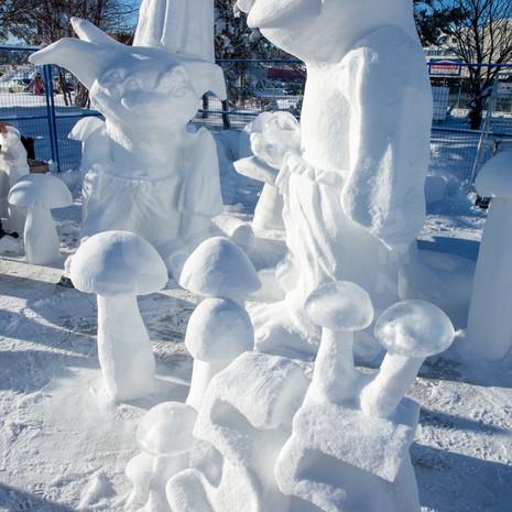 YR2021 SnowCarvings_F1A8055-sm.jpg