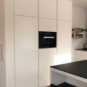 Küchenschrank mit Kühlschrank und Backofen