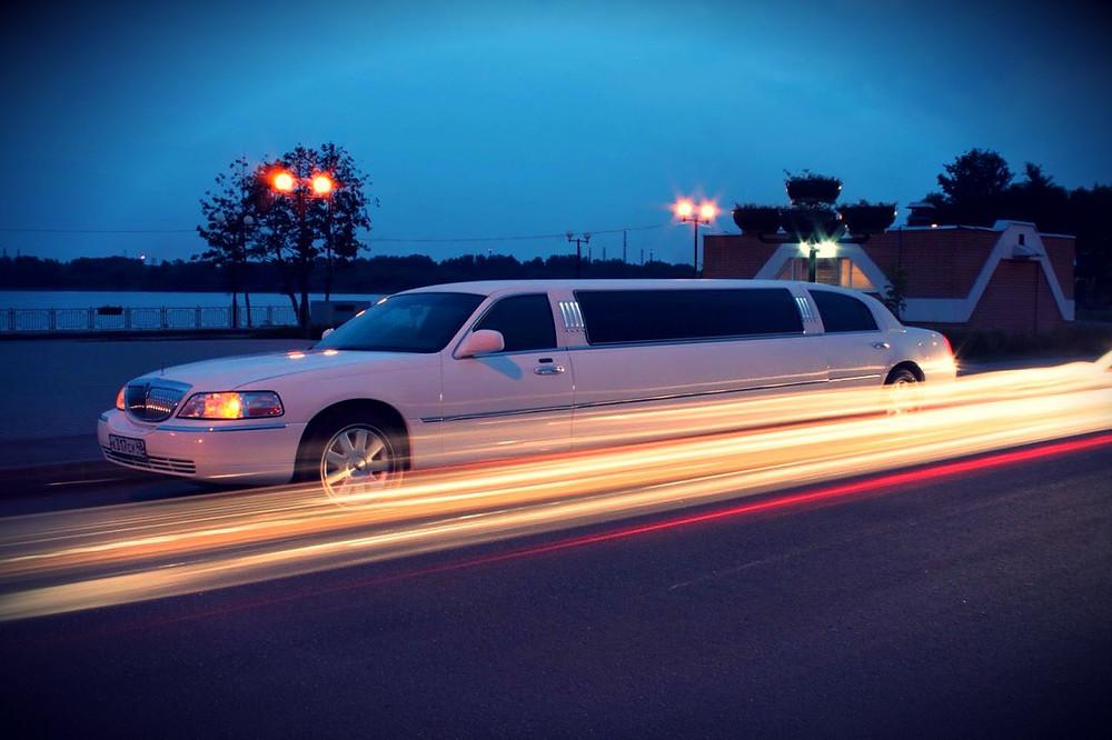 Lincoln_Town_Car_«Tiffany_Pink»_(6).jpg.jpg