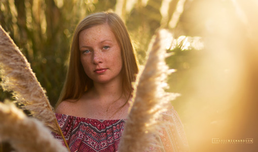 senior portarit of teen girl by sharde richardson photography