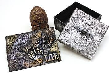 Кутия с антично сребърен завършек