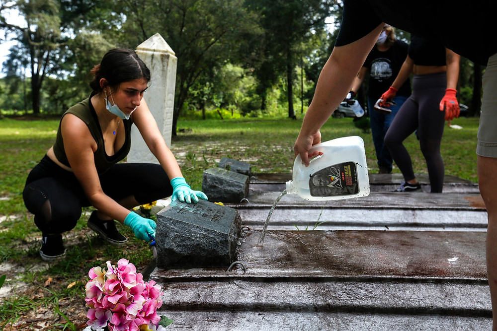 A Florida Trust team worked to help cleaning the historic African American Bethlehem Methodist Episcopal Cemetery in Archer