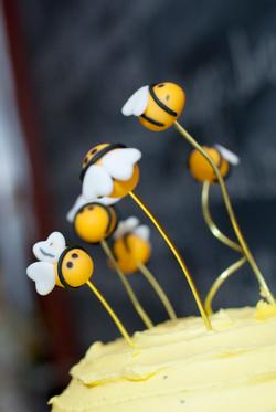 Bee Cake Decor