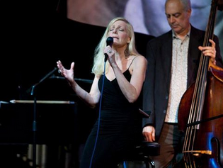 Laury Shelley and Eric Hochberg at the Jazz Showcase.