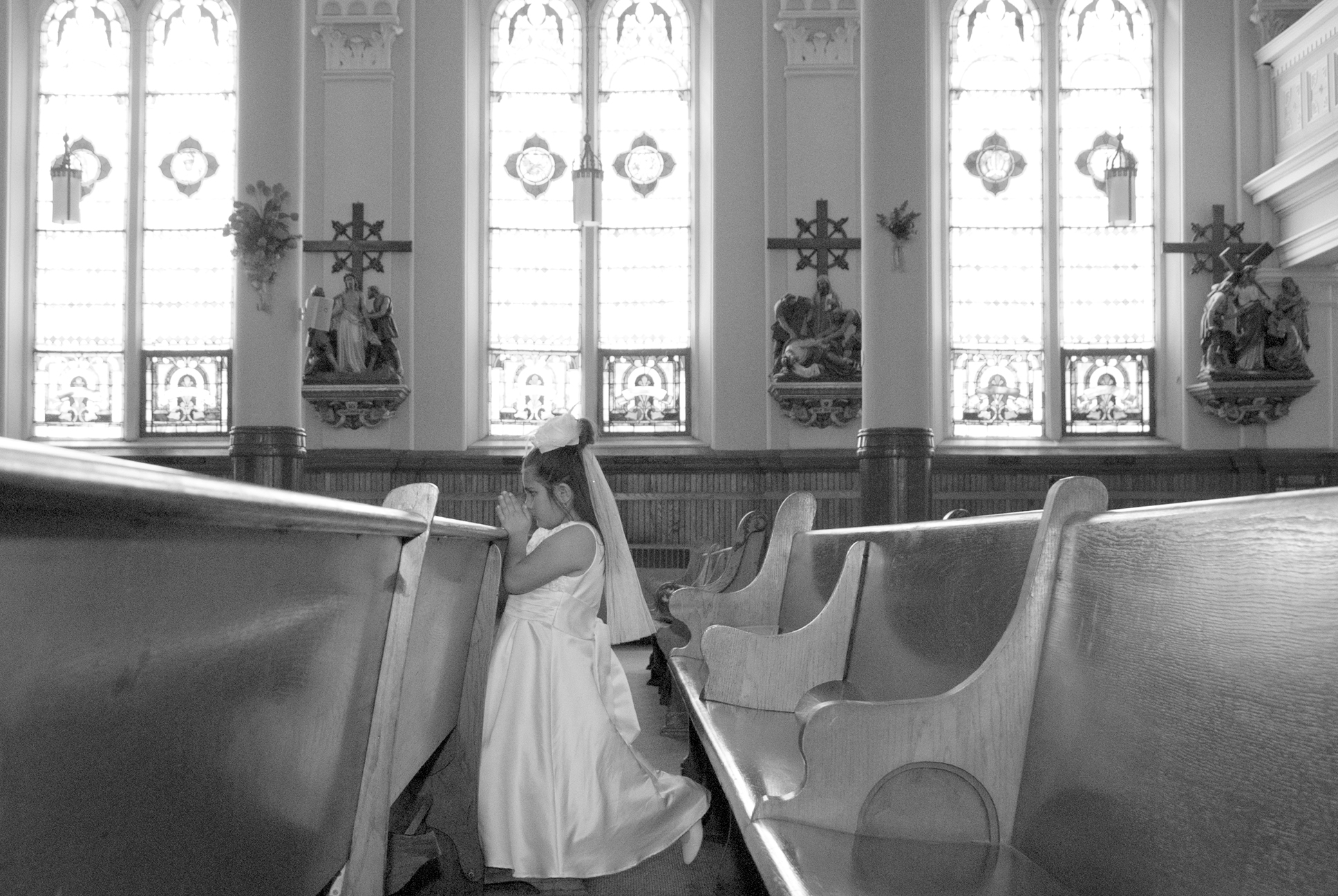 Praying in the Pew Black and White