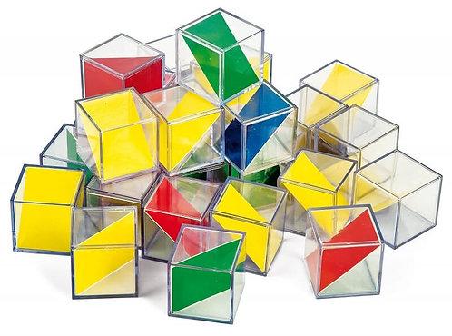 Caurspīdīgi kubi